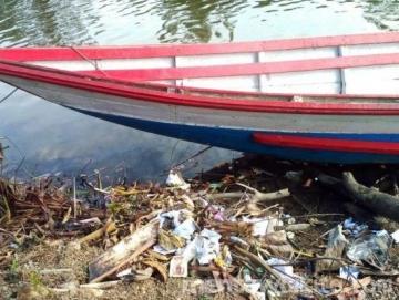 Sungai dan Parit Jadi Tempat Pembuangan Sampah di Saibi Samukop