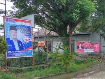 Panwascam Sikakap Minta Caleg Buka Spanduk Kampanye di Pagar Pelabuhan Syahbandar