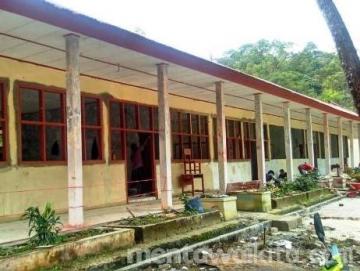 4 Lokal SMAN 1 Siberut Selatan Direhab