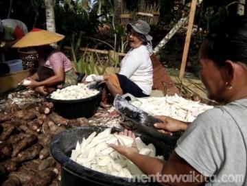 GotongRoyong Nilai Kebersamaan dalam Punen