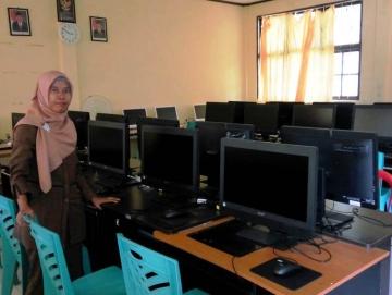 Kemdikbud Berikan Bantuan 23 Unit Komputer untuk SMAN 1 PUS