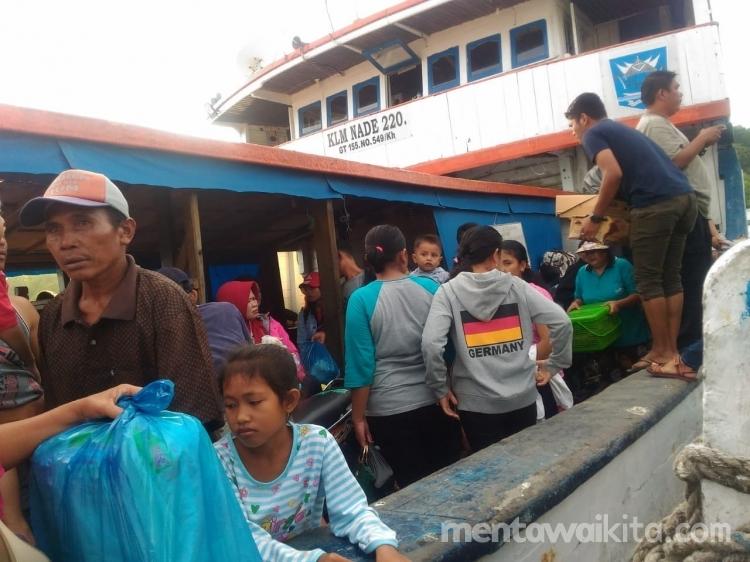 Kapal Antar Pulau Tak Layani Penumpang Arus Balik dari Siberut Barat Pelajar Kecewa