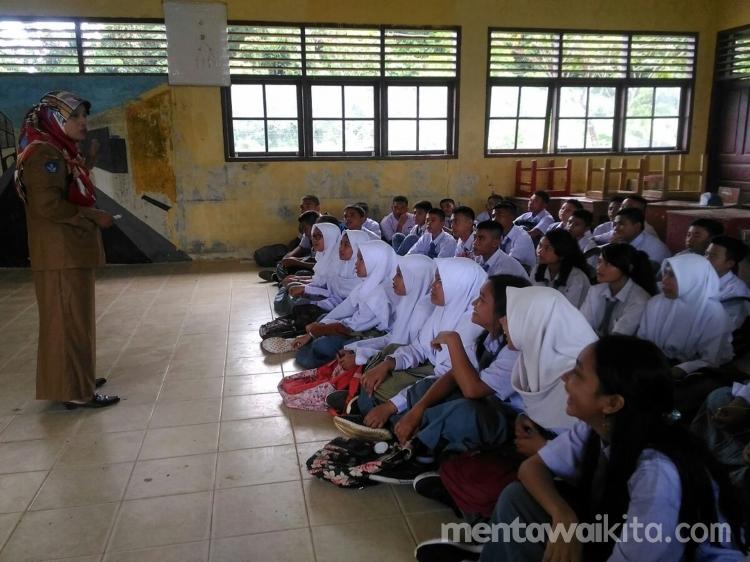 SMAN 2 Sipora Kekurangan Guru 3 Bidang Studi