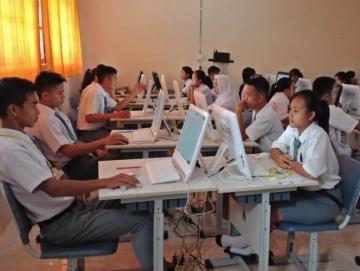 Tak Lengkap Komputer Untuk UN SMAN 1 Siberut Selatan Terpaksa Meminjam