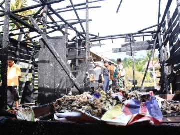 Rumah Kepala Dusun Goiso Oinan Ludes Terbakar