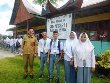 11 Siswa SMA di Mentawai Lulus SNMPTN dan Bidikmisi