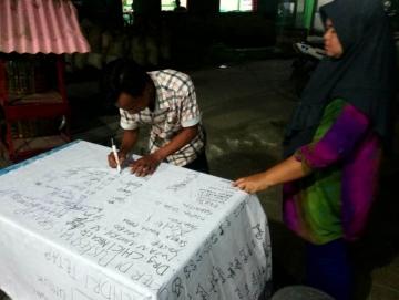 Warga Sikakap Menolak Dokter Puskemas Dipindahkan ke Saumanganya