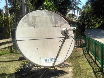 Listrik Tak Maksimal Fasilitas Internet di Dua Desa Ditarik