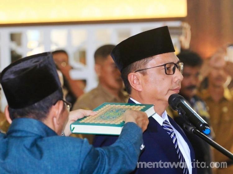 Martinus Dahlan Definitif Jabat Sekda Mentawai