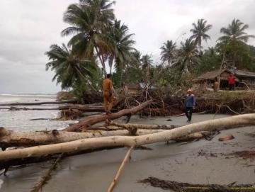 15 Rumah di Desa Matobe Terancam Diterjang Ombak