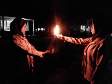 Awali Peringatan Pramuka Gudep SMAN 1 Siberut Utara Gelar Api Dasa Darma