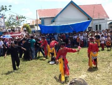 Meriahnya 17 Agustus di Mentawai Dari Lomba Manai Ogok Hingga Kuda Lumping