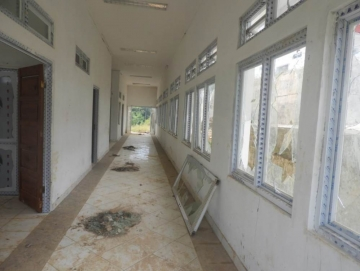Bangunan Rumah Sakit Pratama Siberut Banyak yang Rusak