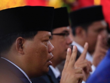 Nelsen Sakerebau dan Bruno Guimek Jadi Pimpinan Sementara DPRD Mentawai