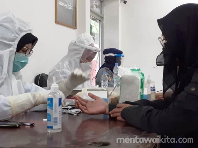 Sekda Mentawai Tunda SE Bupati Soal Rapid dan PCR Tes untuk Syarat Perjalanan