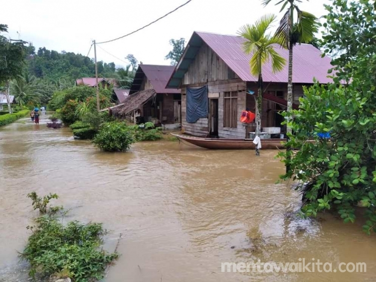 Peipei Siberut Barat Daya Diterjang Banjir