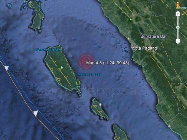 Gempa 45 SR Guncang Siberut Sebagian Warga Keluar Rumah