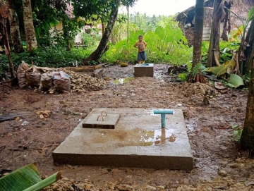 Warga Madobak Dapat Bantuan 200 Unit Sanitasi MCK