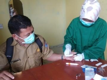 101 Anggota PPS Kecamatan Siberut Selatan Melakukan Rapid Tes