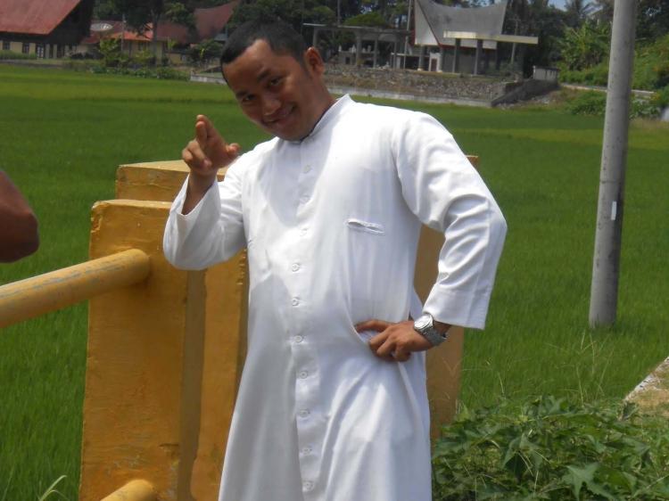 Pastor Paroki Sikakap Ajak Umat Katolik Jaga Persatuan Pasca Bom Gereja di Makassar