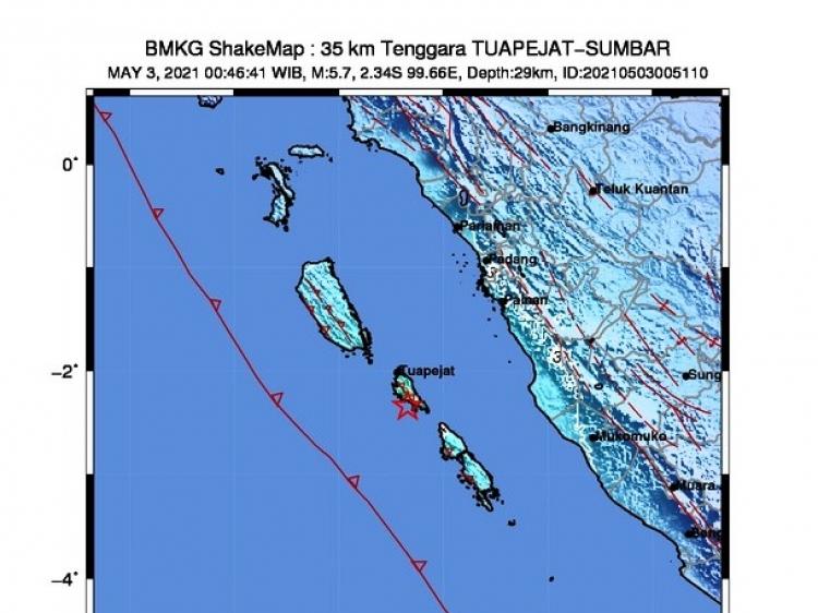 Gempabumi M 57 di Mentawai Warga Tuapeijat Siaga dan Mengungsi ke Gereja