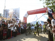 Ribuan Warga Mentawai Meriahkan Millennial Road Safety Festival