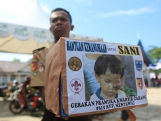 Pramuka Kwarcab Mentawai Galang Dana Untuk Sani Penderita Tumor Mata di Malancan