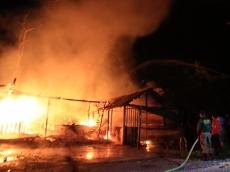Rumah Makan di Sipora Utara Ludes Terbakar