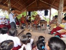 Guru dan Bahan Ajar Penyebab Pembelajaran Budaya Mentawai Tersendat