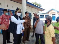 Bupati Mentawai Sidak Bantuan Stimulus Nelayan Sikakap