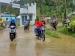 Hujan Sejumlah Ruas Jalan Raya Sikakap Digenangi Air