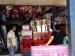 Roti Kaleng Laris Manis Jelang Natal di Mentawai